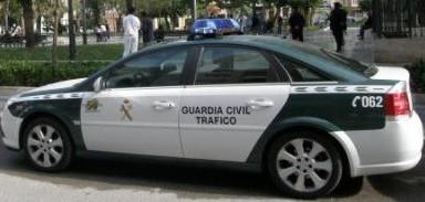 guardia-civil-trafico-coche-384x183