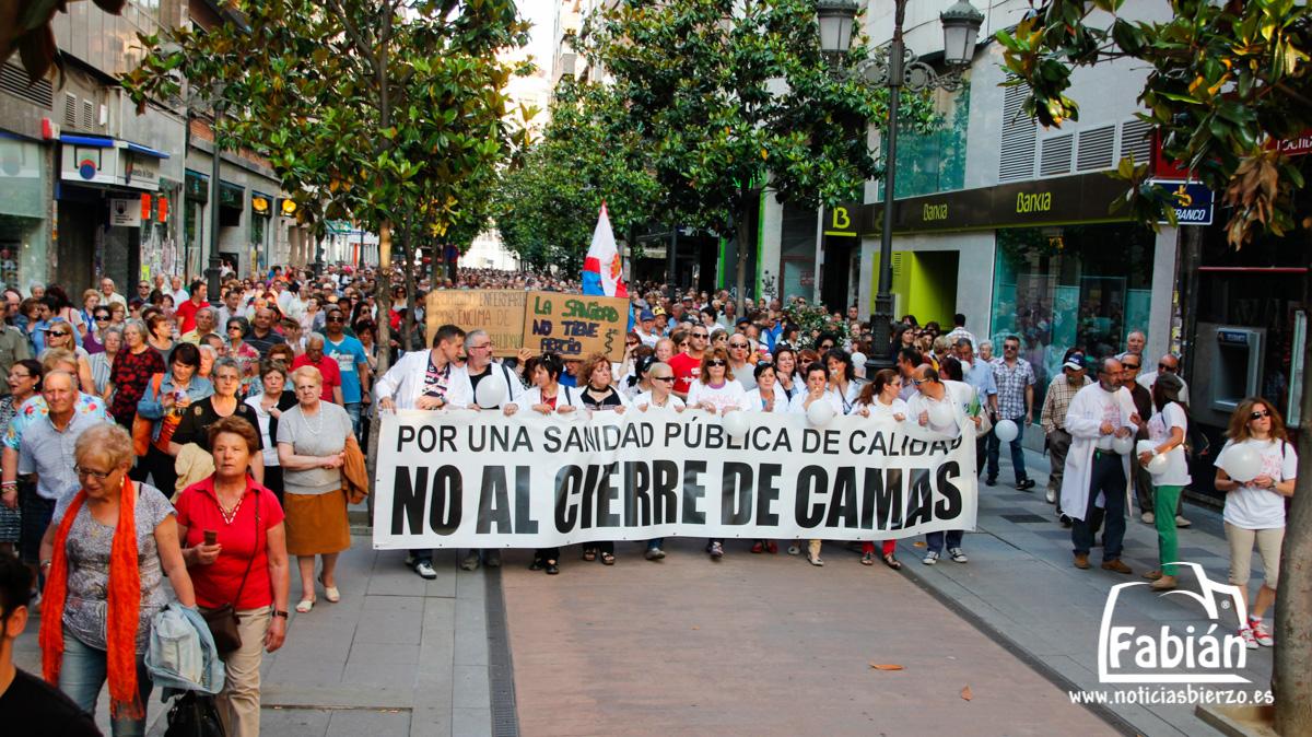 manifestacion contra cierre camas (2)