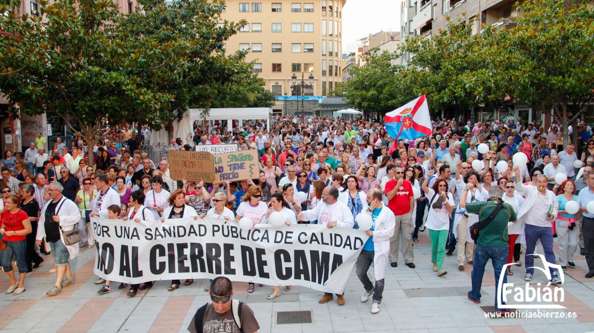 manifestacion contra cierre camas (3)