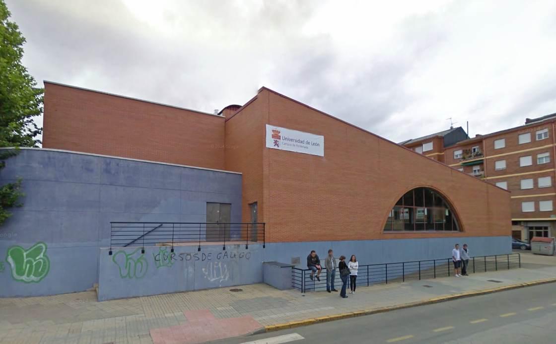 Malestar por el posible cierre de las instalaciones for Piscinas ponferrada